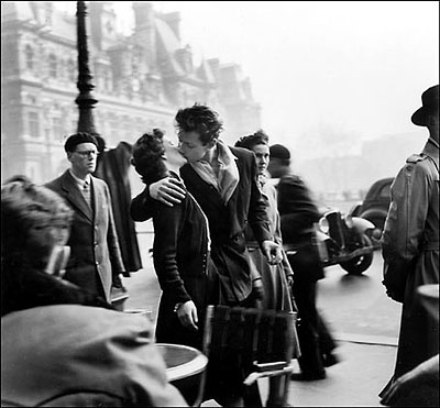 El beso (Robert Doisneau, 1950)